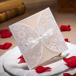carte creuse laser Promotion 20 pièces Bowknot carte d'invitation de mariage découpé au laser blanc fleurs creuses blanc à l'intérieur avec enveloppe