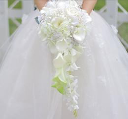 Bouquets de mariage personnalisés en Ligne-Simulation de goutte à goutte personnalisée fleur bouquet de mariée blanc calla rose hortensia bricolage perle cristal bijoux broche bouquet de mariée