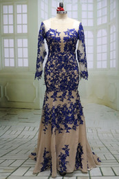 Nackte vintage lange abendkleid online-Vintage Royal Blue Applique Nude Chiffon Abendkleider 2017 Luxus O Neck Prom Nachtkleid mit Langen Ärmeln