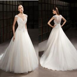 Wholesale Famous Charts - Famous Design A Line Sweetheart Chapel Train Ivory Organza Appliques Lace Beach Wedding Dresses New Arrival Bridal Wedding Gowns
