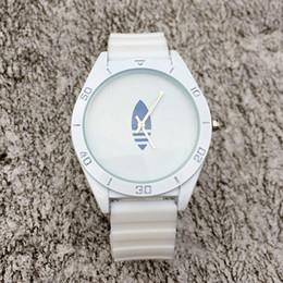 Wholesale leaf fashion - Fashion Brand Women Men's Unisex 3 Leaves leaf clover style Silicone Strap Analog Quartz Wrist watch AD03