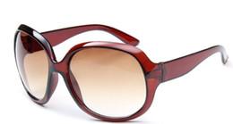 occhiali da sole all'aperto femminile Sconti Moda Donna Occhiali da sole Pretty OHH Summer II Progettista di marca Occhiali da sole Donna Outdoor Cateye Simpatici occhiali da sole con astucci in vendita online
