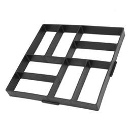 Stampi per pietre online-40 * 40 cm vialetto di pietra stampo rettangolo pavimentazione pavimentazione giardino fai da te cemento passo-passo compagno di mattoni cemento stampo finitrice