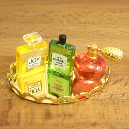 giocattolo del vassoio Sconti Dollhouse Miniature 1:12 Toy Bathroom Set di vassoi per profumi L3.8cm SPO331