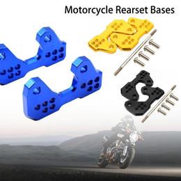 2019 accessori per motociclette yamaha 2Pcs Pedali posteriori in alluminio accessori per moto CNC posteriori posteriori per YAMAHA YZF-R3 R25 15-16 sconti accessori per motociclette yamaha