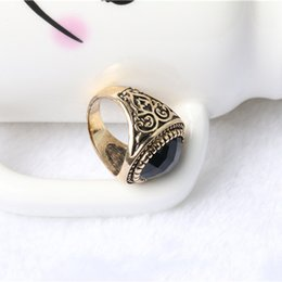 2019 anel de homem de ônix Novos anéis palácio Do Vintage delicado esculpida anéis multi-seção preto onyx moda personalidade homens e mulheres anel A1994 anel de homem de ônix barato
