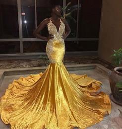 2019 train-robe jaune Nouveau Jaune Velours Sexy Robes De Bal En Dentelle Appliques Perlée Ruché Balayage Train Sirène Robe De Soirée train-robe jaune pas cher