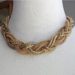 5c14371cfd54 Vintage Beaded hecho a mano Chunky cadena babero gargantilla collar  declaración collar Boho estilo étnico Maxi collares para mujeres 2017