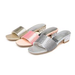 Comprar sapatos rosa on-line-Sapatas das mulheres Baixo Verão Novo Padrão de Alta Com Código Pu 32-41 das Mulheres de Prata Rosa Ouro Chinelo Pânico Compra w7