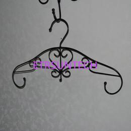 2019 vêtements antiques Antique Métal Fleur Cintre pour Vêtements Style Européen Fer Vêtements Cintres Boutique Décoration Livraison Gratuite QW7827 vêtements antiques pas cher