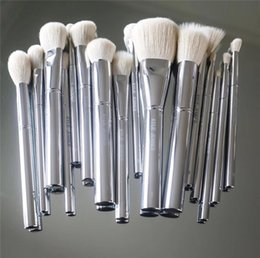 Wholesale Makeup Brushed - Kylie Jenner Silver Tube Brush 16pcs set Makeup Brushe Jenner Silver Tube Brush 16pcs set with bag Makeup Brushes for Valentine's Day Gifts