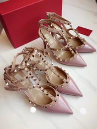 Sandalias de novia blanca online-Envío gratis mujeres bombas sexy lady Blanco negro charol clavos tacones altos sandalias zapatos del talón delgado novia de la boda zapatos