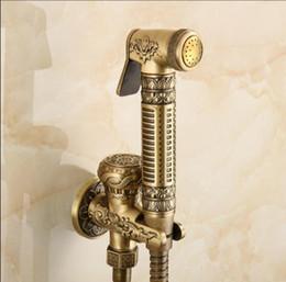 Rubinetto in rame online-Bronzo antico tenuto in mano Bidet Spray Doccia Set rame spruzzatore Bidet Lanos WC rubinetto Lavatory Gun, rubinetto a muro