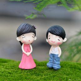 Wholesale Resin Boy Ornament - 2pc Sweet Boys Girls Couple Mini Micro Landscape Resin Home Garden Decoration accessories DIY Ornaments