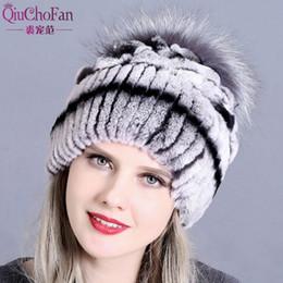 Chapéu de Pele de inverno para As Mulheres Reais Rex Rabbit Fur Chapéus com  Prata Fox Flor Malha Gorros Caps New High-end Mulheres Cap 902779ca878