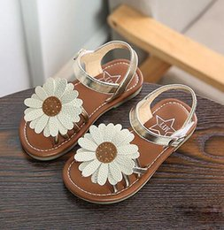 Wholesale Muscle Beach - 2018 Kids Desginer Shoes Sun Flower Style Students shoes sandal Girls Chrysanthemum Design sandal beach shoes Free Shipping