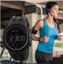 relógio aplicativo Desconto Pedômetro inteligente dos homens Relógio Esportivo das Mulheres Calorias Pedômetros Contador de Passos Com Bluetooth App Lembrar Para Natação Correndo