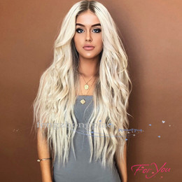 Longs cheveux noirs en Ligne-FZP Longue Vague Corps Blonde Perruques Sans Colle Complète Perruque Chine cheveux Comme Les Perruques Cheveux Humains Pour Les Femmes Noires Meilleur Soie Synthétique Perruque