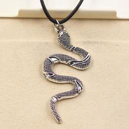 Fascino di serpente tibetano online-New Fashion Tibetan Silver Pendant snake Necklace Choker Charm Black Leather Cord Prezzo di fabbrica Gioielli fatti a mano