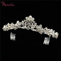 2019 einfache tiara krone Prinzessin Frauen Mädchen Blumen Hochzeit Tiara Crown Stirnband Braut Kopfschmuck Einfache Stilvolle Braut Haarschmuck Zubehör RE3068 rabatt einfache tiara krone