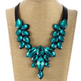 nastro geometrico Sconti MINHIN Geometric Crystal Chokers Collana Green Stone Short Ribbon Collana Costume Accessori regalo per la mamma