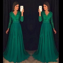 Vestidos de laço esmeralda on-line-2020 Formal Emerald A Linha Prom Dresses V Neck Lace apliques Chiffon Beading cristal 3/4 mangas compridas Varrer vestidos de noite partido do trem