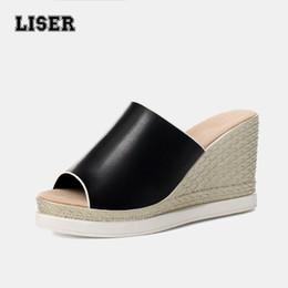 Zapatillas de mula de tacón alto online-modas 2018 cuñas zapatos para mujer plataforma chanclas negras mulas zapatillas súper tacones altos diseñador diapositivas antideslizante inferior