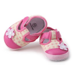 Scarpe da bambina appena nate Cute applique Princess Kid antiscivolo su  scarpe 0-18 mesi Culla Hook First Loopers 23f7a4e0f49