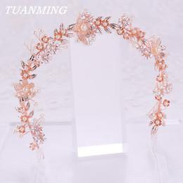 7 Fotos Flores de seda para tiaras online-Nueva flor de oro rosa perla  diadema tiara adornos c76113f1669