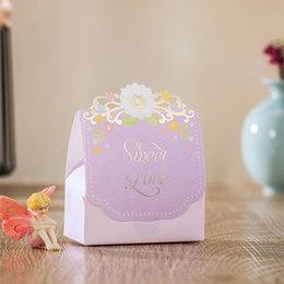 Wholesale high quality favors - Wedding Favors Gifts Boxes Romantic Flowers Wedding Party Candy Chocolate Favours Boxes High Quality Paper Boxes