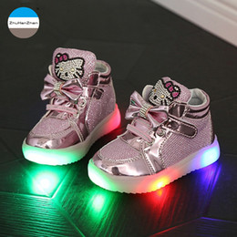2018 1 to 5 years old baby girls shoes cartoon kt fashion boots LED kids  light shoes children casual kids glowing sneakers 1d0498dcdc62