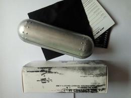 A ++ boitier en aluminium Box Compression Glasses Case Sports lunettes de soleil boites TISSU livraison gratuite ? partir de fabricateur