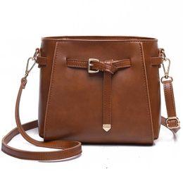 5939f130fea38 frauen schulter schwarze eimer taschen Rabatt Damenmode Trend One-Shoulder- Taschen Bucket Art Kleine