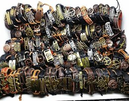 Браслеты для серфинга онлайн-wholesale 100pcs/pack assorted men's top Genuine Leather tribal surfer cuff bracelets mix styles