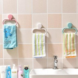 Wholesale wall mounted towel - Towel Ring Hand Rack Holder Wall Mount Mounted Bathroom Round Dishcloth Gloves Aprons Towel Hanging Ring Bathroom Kitchen Tools OOA4458