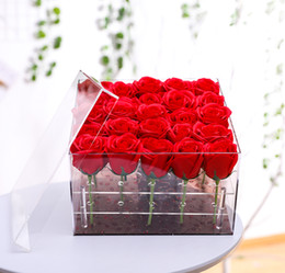 vasi di testa all'ingrosso Sconti Scatola regalo con fiore rosa trasparente in acrilico di lusso a 25 fori con coperchio