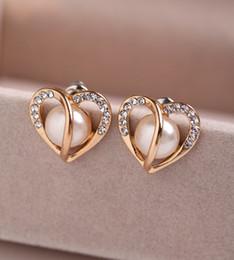 2019 brincos de marca famosa Alta Qualidade Famoso Design Amor da marca do coração moda jóias com diamantes coração da pérola do luxo do estilo banhado a ouro brincos para mulheres dos homens desconto brincos de marca famosa