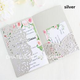 Canada Rose invitation de mariage carte argent ivoire tri-fold poche laser coupe titulaire de l'invitation fournir une impression personnalisée livraison gratuite Offre
