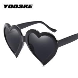 2019 дизайнер в форме сердца солнцезащитные очки YOOSKE Retro Heart Sunglasses Women Fashon Brand Designer Lovely Shaped Sun Glasses Female Black Red Pink Glasses дешево дизайнер в форме сердца солнцезащитные очки