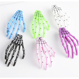 2PC Fashion Women Girls Creative Harajuku Skull Skeleton Hand Bone Hair Clip Claw Ghost Skeleton Halloween Party Hairpin cheap bones hairpin от Поставщики кость шпилька