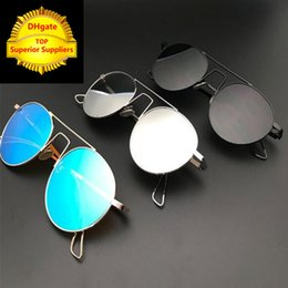 Wholesale Rainbow Sunglasses - 2018 Top designer sunglasses defense polarized light rainbow sunglasses fashionable men and women luxury sunglasses metal rack sun glasses