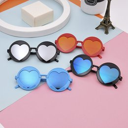 Wholesale plastic heart sunglasses - Plastic Round Fashion Frame Boys And Girls Sun Glasses Outdoor Ultraviolet Proof Sunglasses Korean Style Heart Love Shape Eyeglasses 4zm Z