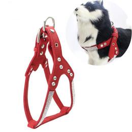 Arnés de perro de diamantes de imitación medianos online-Juego de arnes y correas para perros de cuero suave con diamantes de imitación perrito chaleco con colgante de hueso de cristal para pequeñas mascotas medianas