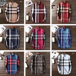 Designer de luxo de Negócios dos homens Camisa Ocasional Dos Homens de Manga Longa Listrada Slim Fit Camisa Masculina Medusa Social Camisas Xadrez Moda Camisa de Fornecedores de camisa térmica vermelha