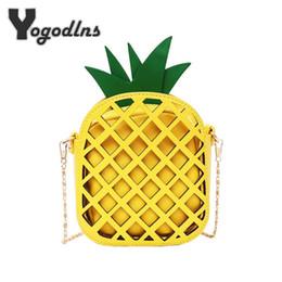 Borse di ananas online-Borsa in pelle di marca 2018 per le donne Borsa di pelle bella per donne con la catena Scava borsa di frutta Mini donne per le ragazze