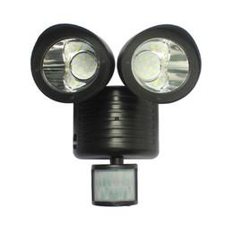 Luces de inundación con sensor de movimiento online-Solar Powered Motion Sensor Light 22 LED Garage Garden patio Outdoor Seguridad Flood Spot Light Lámpara de pared