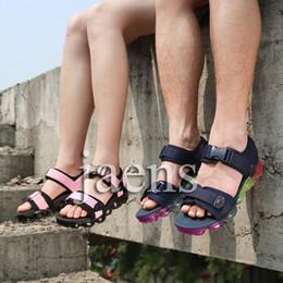 Chaussures d'été pour hommes en cuir en Ligne-Hommes Vapeurs Femmes Unisexe Liège Tongs Sandales Sports d'été Chaussures De Mode Chaussons En Cuir Cool Slipper Casual Sandales Chaussures EUR36-45