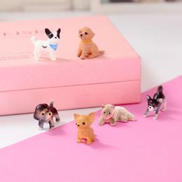 Cachorros de brinquedo de plástico para crianças on-line-Ornamentos de animais de plástico bonito dos desenhos animados Mini modelo de cachorro Husky Bulldog Dolls Design encantador Cat Dog Kids Kids Toy