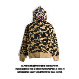 Sudaderas baratas streetwear online-Chaquetas de diseñador para hombre Ape Hoodie con algodón Off Shark Impresión Streetwear Hombres Mujeres Vetements Sudadera White Ape Novedad Ropa barata