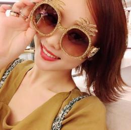 Wholesale Unique Diamonds - Pineapple shaped diamond trending sunglasses oversized unique luxury brand round crystal pineapple sunglasses men and women fashion 2018